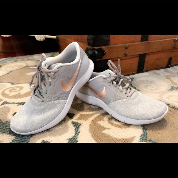 a65fb1a4532 Nike Flex Contact Running Shoes Grey Rose Gold. M 5af4f9d88df4704c28c9e868